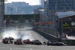 Lewis Hamilton, Mercedes AMG F1 F1 W08 líder en la arrancada