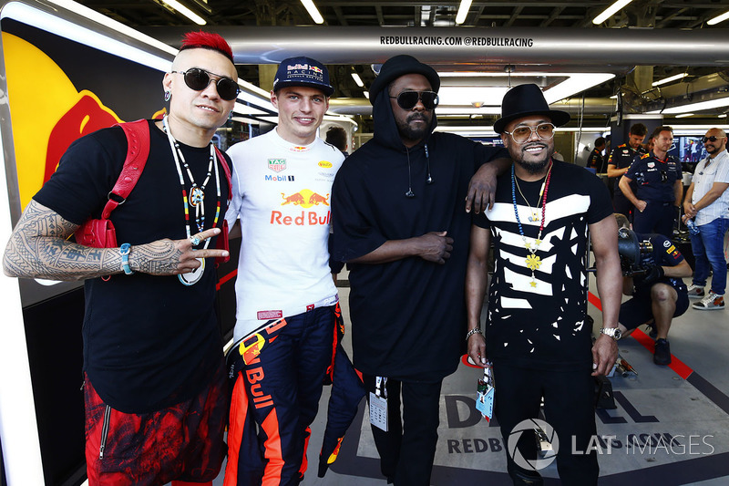 Max Verstappen, Red Bull Racing, y los Black Eyed Peas