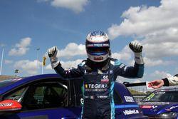 Обладатель поула Джанни Морбиделли, West Coast Racing, Volkswagen Golf GTi TCR