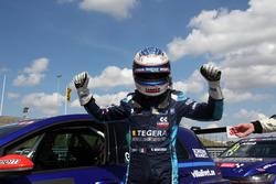 Ganar de la pole Gianni Morbidelli, West Coast Racing, Volkswagen Golf GTi TCR