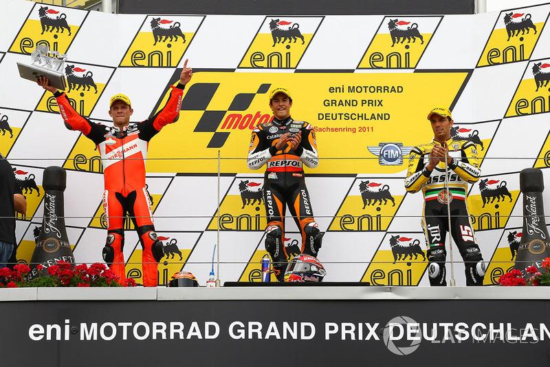 Le podium du GP d'Allemagne 2011 de Moto2 : Marc Márquez, Stefan Bradl, Alex de Angelis