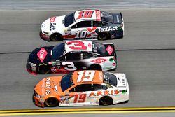 Daniel Suarez, Joe Gibbs Racing Toyota, Austin Dillon, Richard Childress Racing Chevrolet, Danica Pa