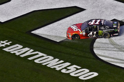 Kurt Busch, Stewart-Haas Racing Ford, celebrates his win