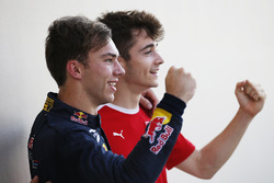 Le Champion GP2 2016 Pierre Gasly, PREMA Racing et le Champion GP3 2016 Charles Leclerc, ART Grand Prix