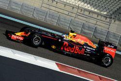 Daniel Ricciardo, Red Bull 2017 lastiklerini test ediyor
