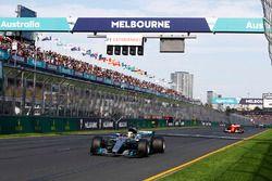Льюис Хэмилтон, Mercedes AMG F1 W08, Себастьян Феттель, Ferrari SF70H, Валттери Боттас, Mercedes AMG F1 W08