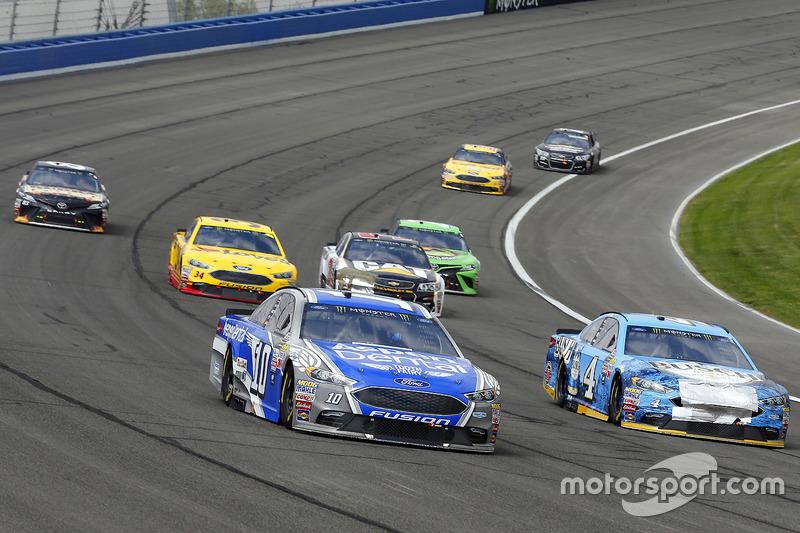 Danica Patrick, Stewart-Haas Racing, Ford; Kevin Harvick, Stewart-Haas Racing, Ford