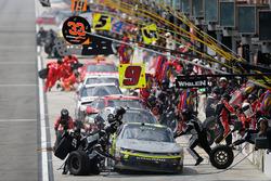 Уильям Байрон, JR Motorsports Chevrolet на пит-стопе