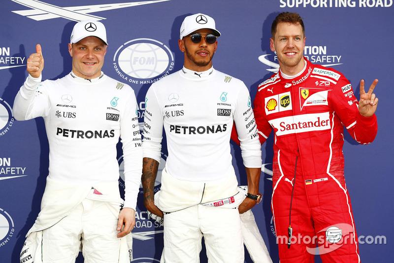 Pole: Lewis Hamilton, Mercedes AMG F1, segundo, Sebastian Vettel, Ferrari, tercero, Valtteri Bottas, Mercedes AMG F1