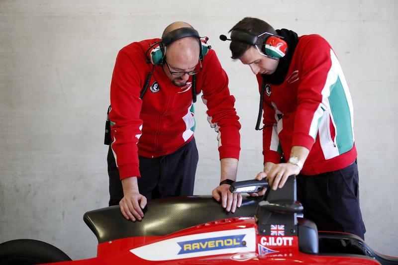 Teammitglieder von Prema Powerteam