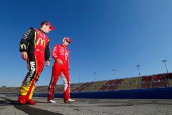 Kyle Larson, Chip Ganassi Racing, Chevrolet; Jamie McMurray, Chip Ganassi Racing, Chevrolet