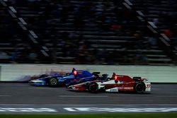 Tony Kanaan, Chip Ganassi Racing Honda, Marco Andretti, Andretti Autosport Honda
