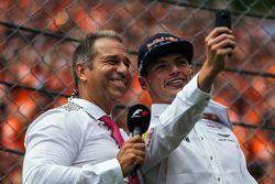 Kai Ebel, RTL; Max Verstappen, Red Bull Racing