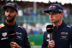 Гонщики Red Bull Racing Даниэль Риккардо и Макс Ферстаппен
