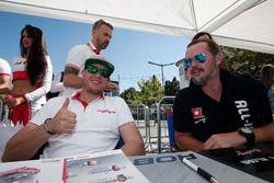Rob Huff, Honda Racing Team JAS, Honda Civic WTCC e James Thompson, All-Inkl Motorsport, Chevrolet RML Cruze TC1