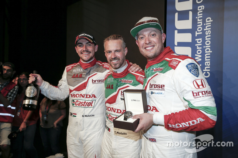 Norbert Michelisz, Honda Racing Team JAS, Honda Civic WTCC; Tiago Monteiro, Honda Racing Team JAS, Honda Civic WTCC; Rob Huff, Honda Racing Team JAS, Honda Civic WTCC