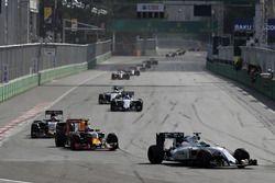 Felipe Massa, Williams FW38 Mercedes voor Max Verstappen, Red Bull Racing RB12