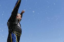 Race winner Tony Stewart, Stewart-Haas Racing