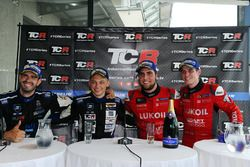 Winner Pepe Oriola, SEAT Leon, Craft Bamboo Racing LUKOIL, second place Dusan Borkovic, Seat Leon B3 Racing Ungheria, third place James Nash, Seat Leon Team Craft-Bamboo LUKOIL, Mato Homola, Seat Leon B3 Racing Ungheria