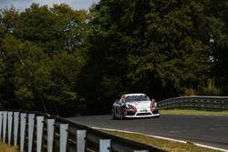 Georg Weiss, Rene Offermann, Nico Menzel, Porsche Cayman 981 GT4 CS