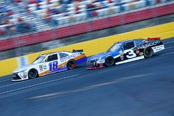 Matt Tifft, Joe Gibbs Racing Toyota, Ty Dillon, Richard Childress Racing Chevrolet