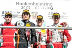 Podium: Sieger Mick Schumacher, Prema Powerteam; 2. Kami Laliberté, Van Amersfoort Racing; 3. Juri V