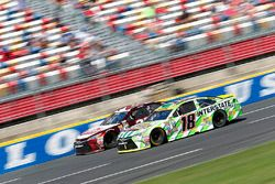 Kyle Busch, Joe Gibbs Racing Toyota, David Ragan, BK Racing Toyota
