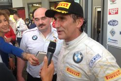 Alex Zanardi, BMW Team Italia, con los medios
