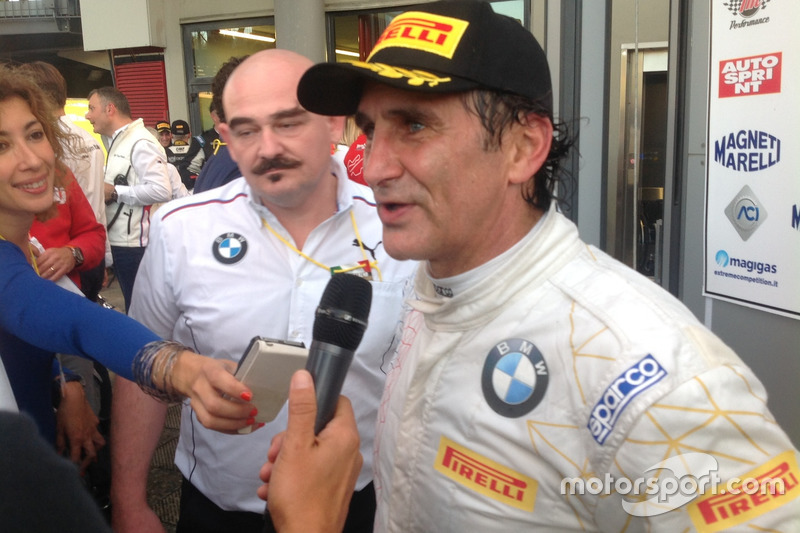 Alex Zanardi, BMW Team Italia, con i giornalisti