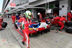 #71 AF Corse Ferrari 488 GTE: Davide Rigon