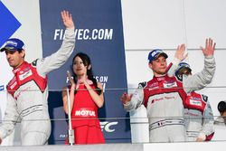 Podio LMP1: al secondo posto #8 Audi Sport Team Joest Audi R18: Lucas di Grassi, Loic Duval, Oliver