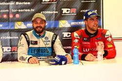 Stefano Comini, Leopard Racing, Volkswagen Golf GTI TCR and Pepe Oriola, Team Craft-Bamboo, SEAT León TCR