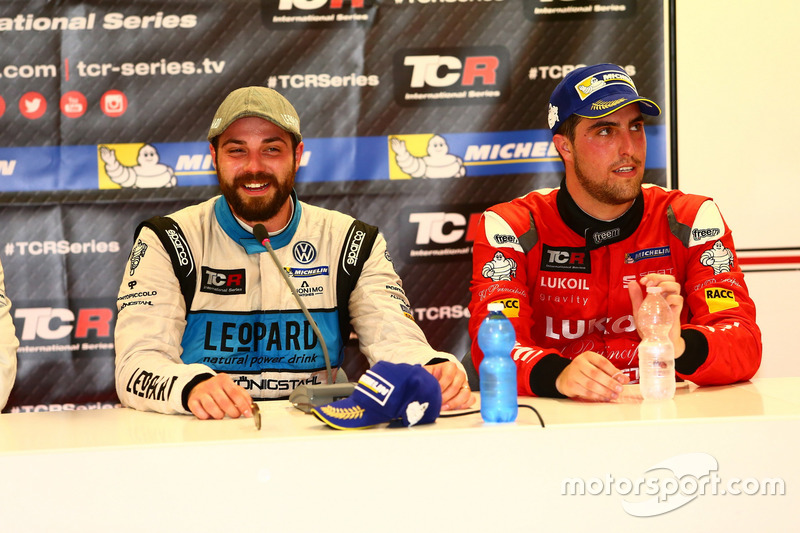 Stefano Comini, Leopard Racing, Volkswagen Golf GTI TCR and Pepe Oriola, Team Craft-Bamboo, SEAT Leó