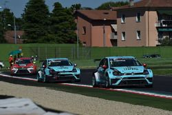 Stefano Comini, Leopard Racing, Volkswagen Golf GTI TCR and Jean-Karl Vernay, Leopard Racing, Volksw