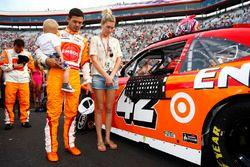 Kyle Larson mit Freundin Katelyn Sweet und Sohn Owen Larson