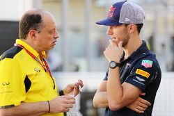 (L to R): Frederic Vasseur, Renault Sport F1 Team Racing Director with Pierre Gasly, Red Bull Racing Third Driver