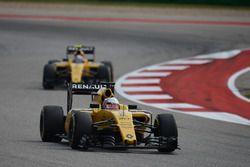 Kevin Magnussen, Renault Sport F1 Team R.S.16 devant Jolyon Palmer, Renault Sport F1 Team R.S.16
