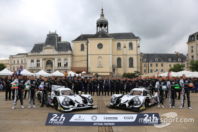 #31 Extreme Speed Motorsports Ligier JS P2 Nissan: Ryan Dalziel, Chris Cumming, Pipo Derani and #30 Extreme Speed Motorsports Ligier JS P2 Nissan: Scott Sharp, Ed Brown, Johannes van Overbeek