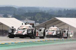 #2 Porsche Team Porsche 919 Hybrid: Romain Dumas, Neel Jani, Marc Lieb en #1 Porsche Team Porsche 91