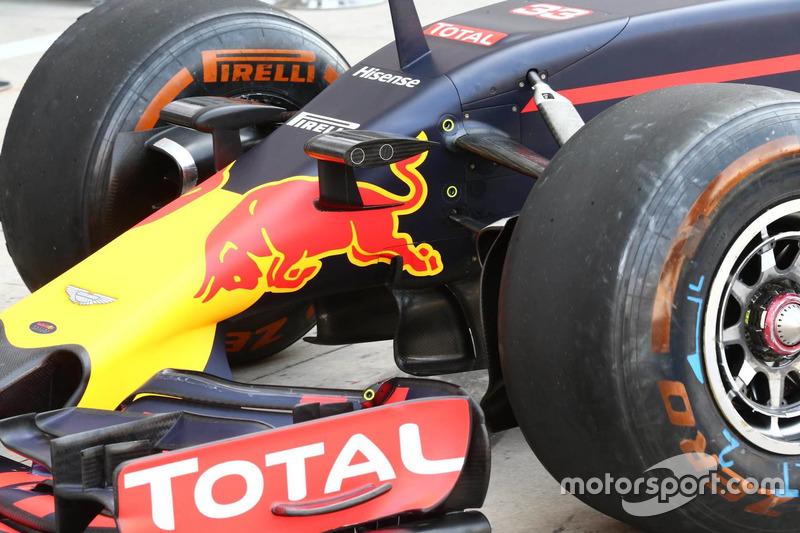 Передняя часть Red Bull Racing RB