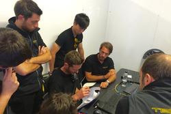 Jean-Eric Vergne, Techeetah, a colloquio con i tecnici