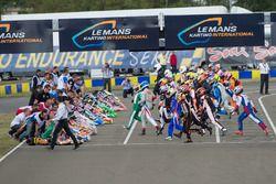 Start: drivers run to their karts