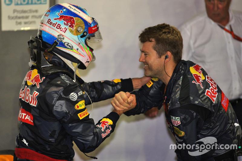 Daniel Ricciardo, Red Bull Racing festeggia il suo secondo posto nel parco chiuso