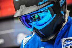 Algarve Pro Racing mechanic at work