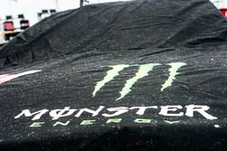 Logo im Regen: Monster Energy