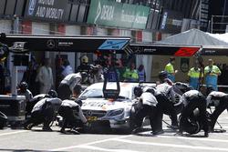 Pit stop Robert Wickens, Mercedes-AMG Team HWA, Mercedes-AMG C63 DTM