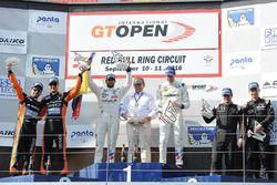 Podio: i vincitori della gara #2 BMW Team Teo Martin BMW M6 GT3: Gustavo Yacaman, Fernando Monje, al secondo posto #27 Team Lazarus Lamborghini Huracan GT3: Thomas Biagi, Fabrizio Crestani, al terzo posto #88 Garage 59 Racing McLaren 650S: Alvaro Parente, Alexander West