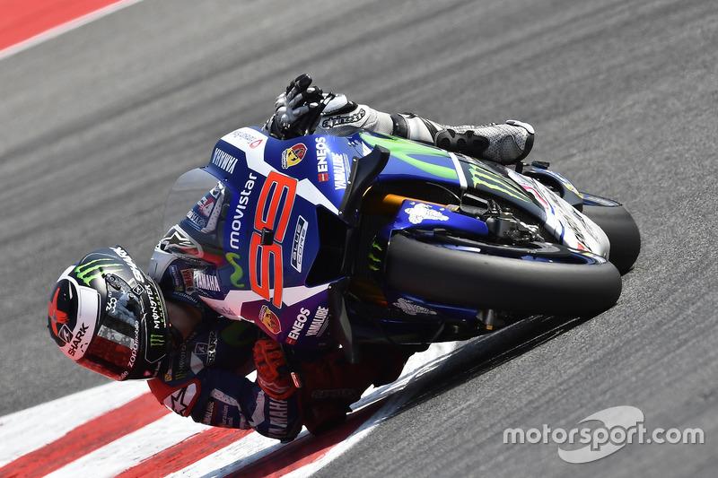 Na pista, Jorge Lorenzo chegou com tudo no Q2 e logo no início cravou o melhor tempo.