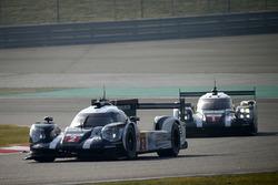 #2 Porsche Team Porsche 919 Hybrid: Romain Dumas, Neel Jani, Marc Lieb and #1 Porsche Team Porsche 9