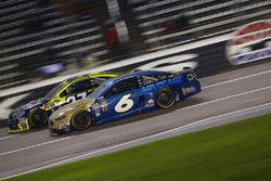 Trevor Bayne, Roush Fenway Racing, Ford; Paul Menard, Richard Childress Racing, Chevrolet